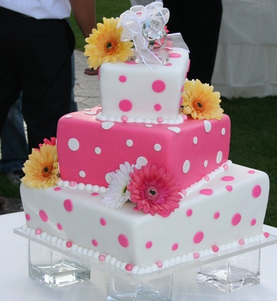 pink and white polka dot wedding cakes