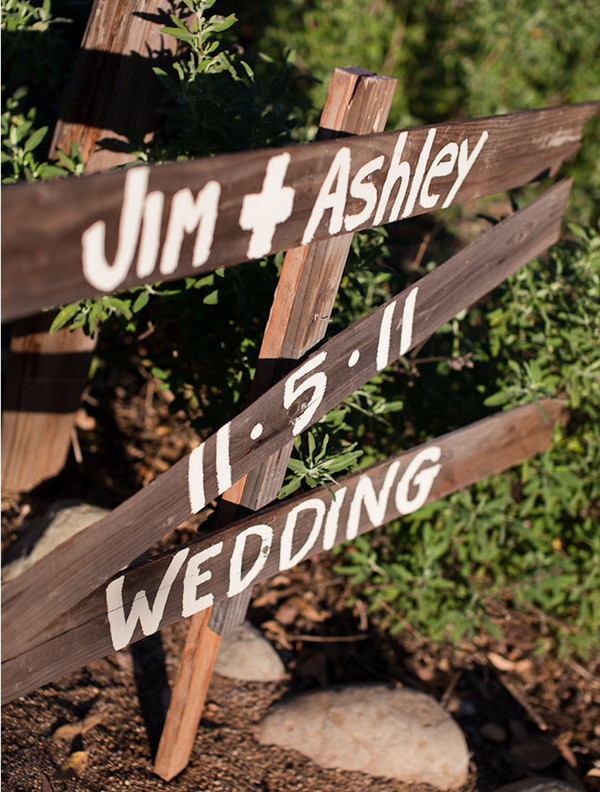 outdoor wedding signs
