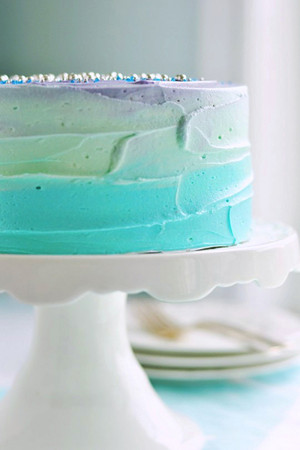 beautiful ombre wedding cakes blue green purple