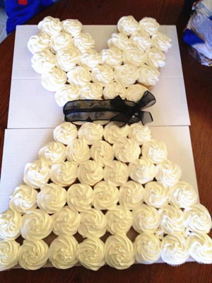 trending wedding dress shaped cupcakes