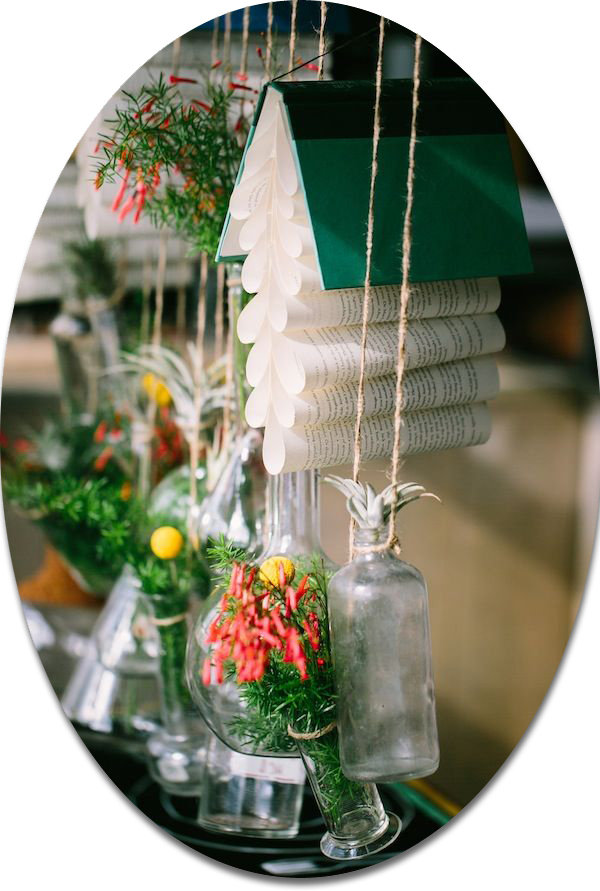 hanging floral and book rustic wedding decoration ideas