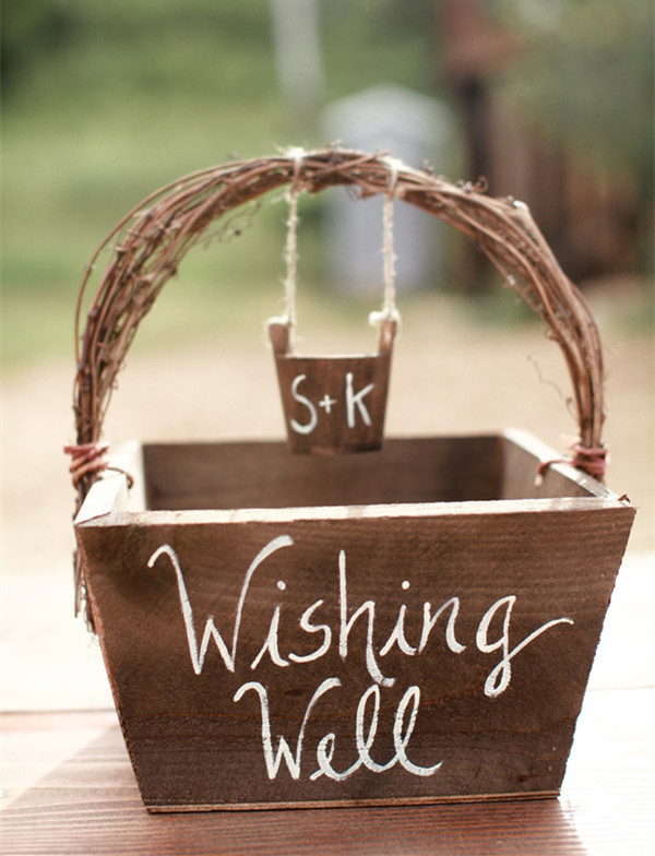 country rustic wishing well box for woodland wedding ideas
