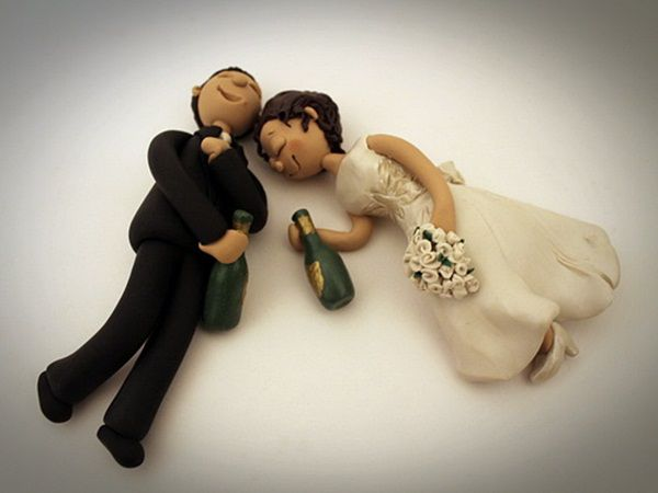 drunk bride and groom funny cake topper