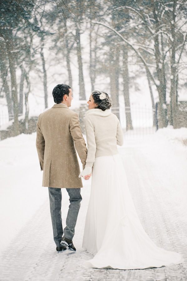 wedding photography ideas for winter and christmas themed weddings