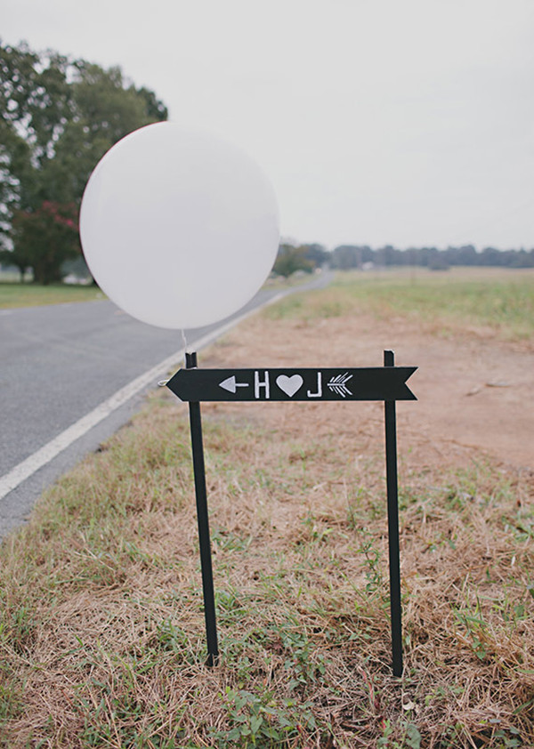 diy wedding entrance with balloon for rustic farm weddings