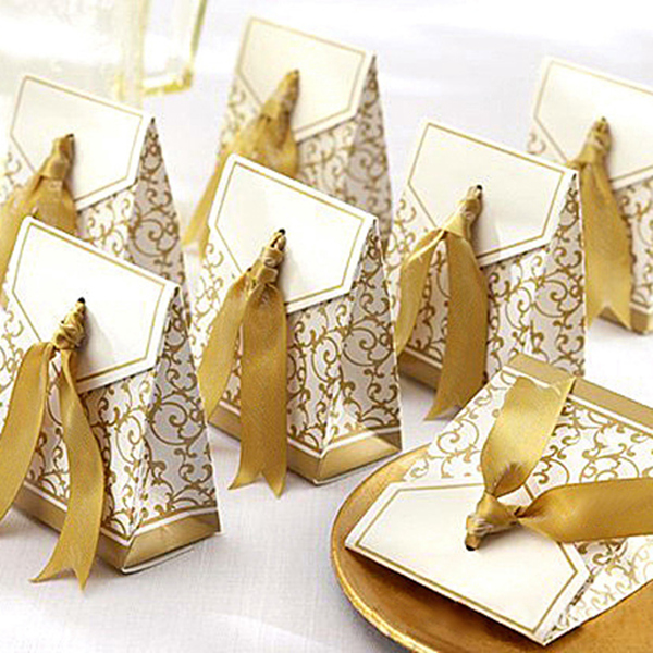 new years eve gold ribbon wedding favors ideas