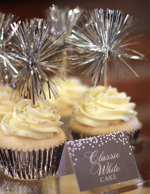 sparkle cupcakes with silvers for new years eve wedding ideas