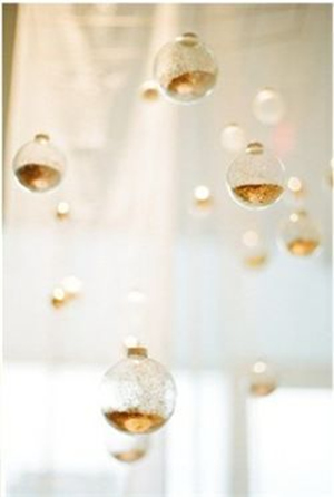 glittering gold Ornaments for wedding decoration ideas