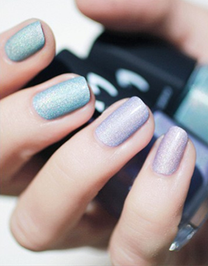 pastel sparkle wedding nail ideas for spring and summer weddings