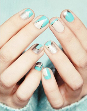 tiffany blue themed wedding nails