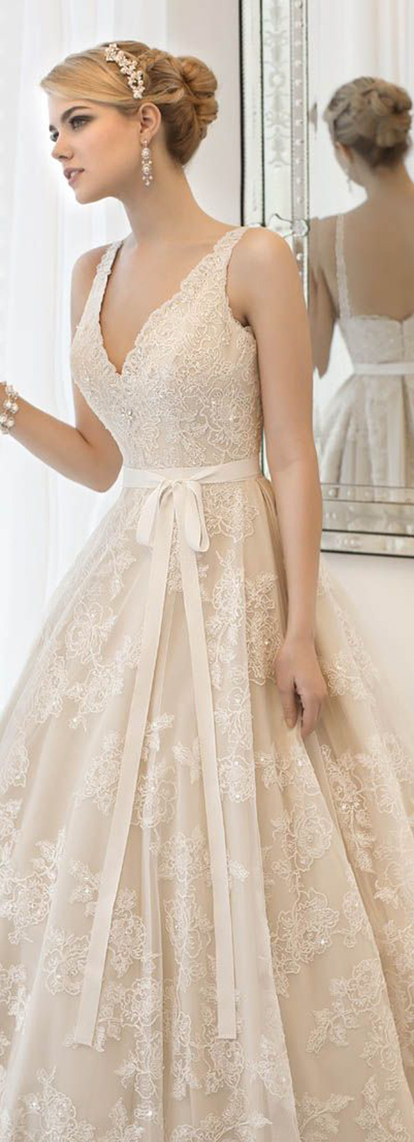Top 20 vintage wedding dresses for 2016 brides for Modern vintage lace wedding dress
