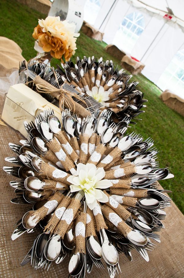 country style wedding table setting ideas with burlaps