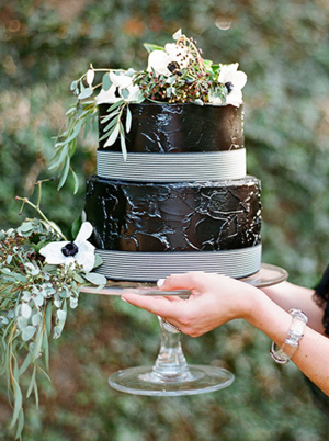 creative black and white wedding cakes