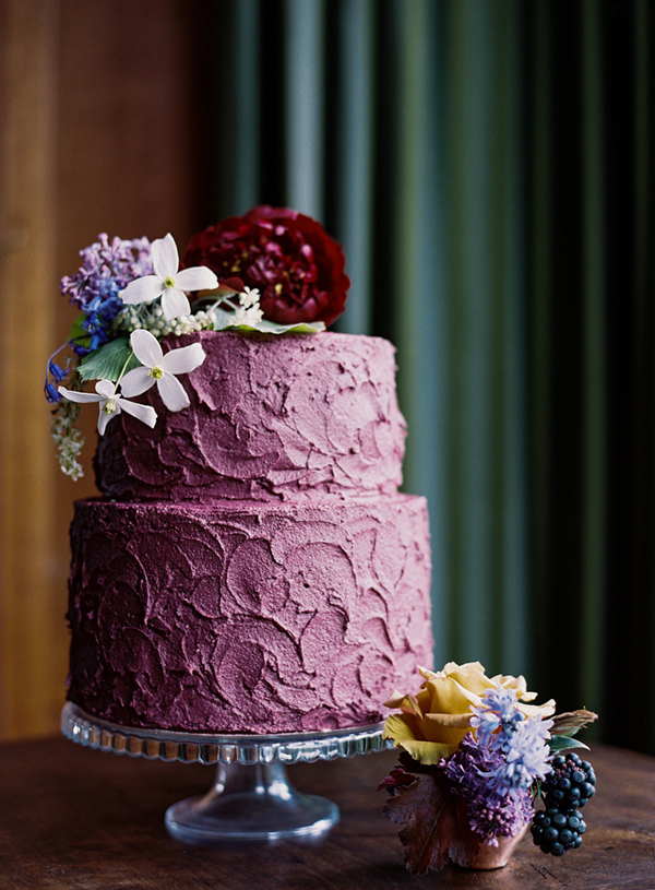 purple and red fall wedding cakes