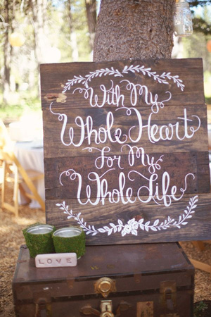 boho style rustic wooden wedding sign ideas