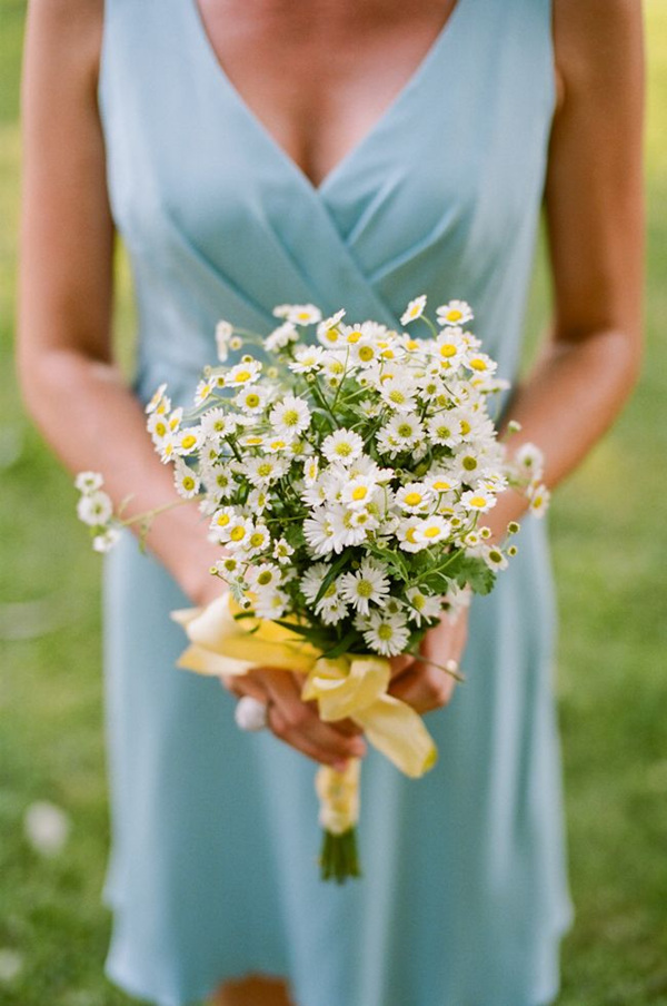 chamomile and daisy wedding bouquets for summer wedding ideas