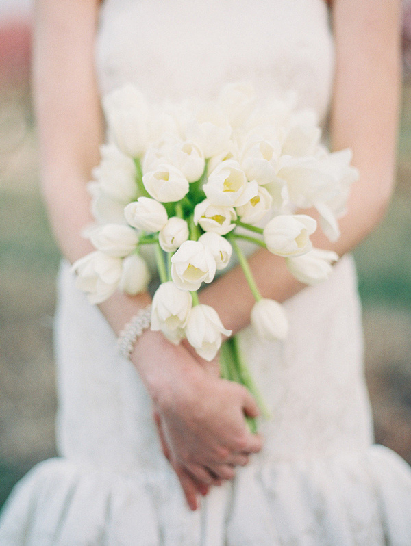 tulip wedding bouquets for white wedding ideas
