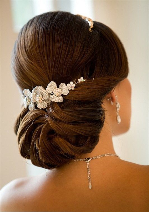 20 most elegant and beautiful wedding hairstyles effortless elegant updo wedding hairstyles for long hair junglespirit Choice Image