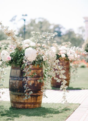 Country Wedding Ideas: 20 Ways to Use Wine Barrels ...