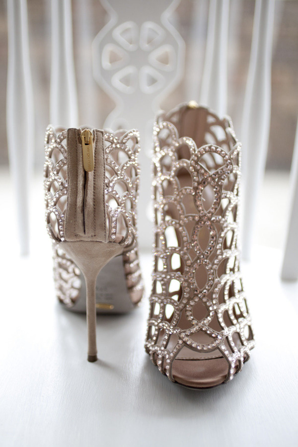 nude colors bling shiny wedding shoes to sparkle the day