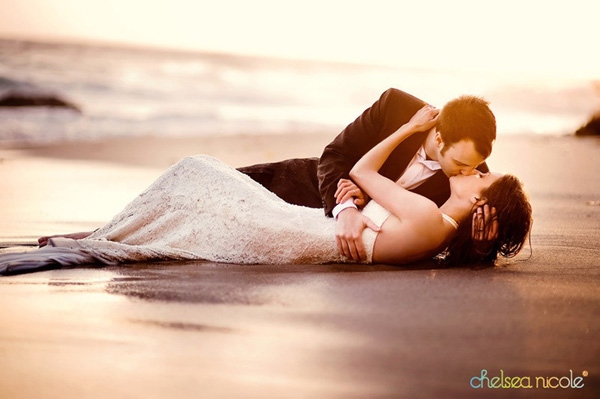 a must- have wedding photo pose for couples
