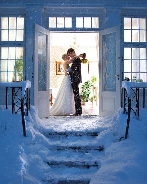 awesome snowy winter wedding photos