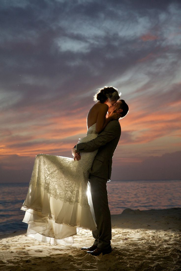 gorgeous beach wedding photos in the night