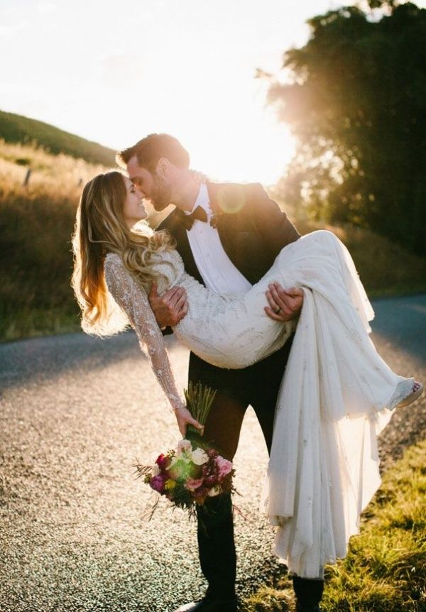 romantic country wedding photo posts