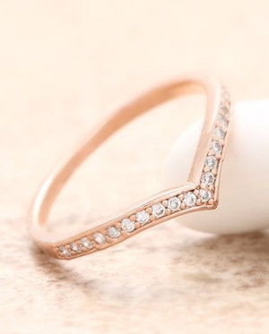 unique rose gold and diamond wedding band