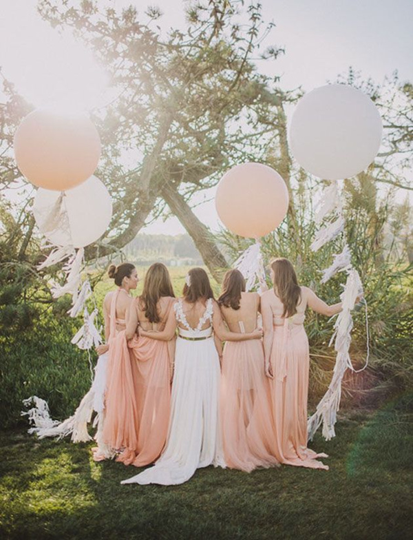 beautiful wedding photos with floating ballons