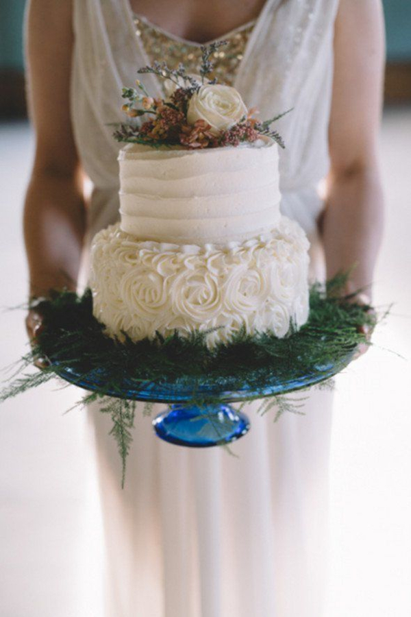 boho vintage wedding cakes with pines