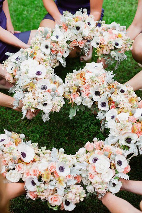 creative bridesmaid photo ideas with wedding bouquets