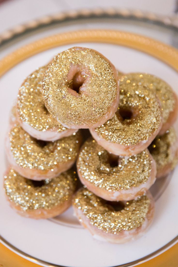 mouthwatering wedding desserts too fab to bite into