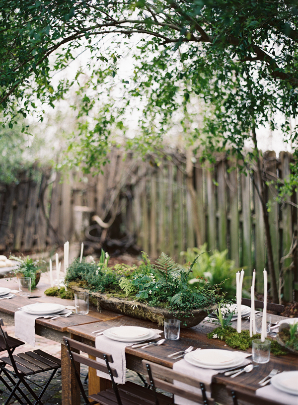 organic rustic simple green white wedding table setting ideas