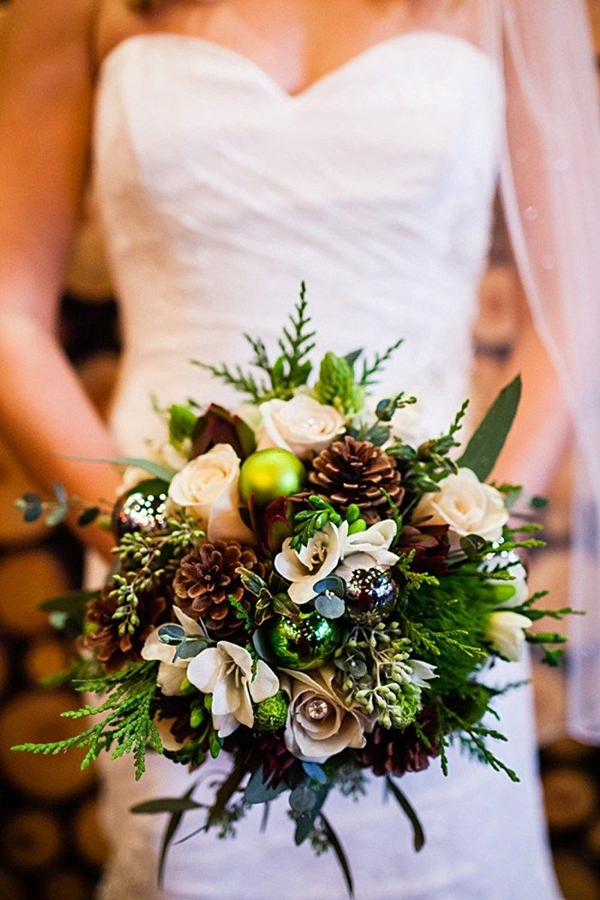 pine cone wedding bouquets for a winter wedding