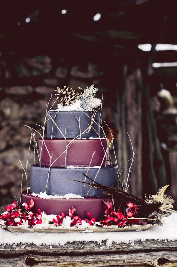 stunning winter wedding cakes