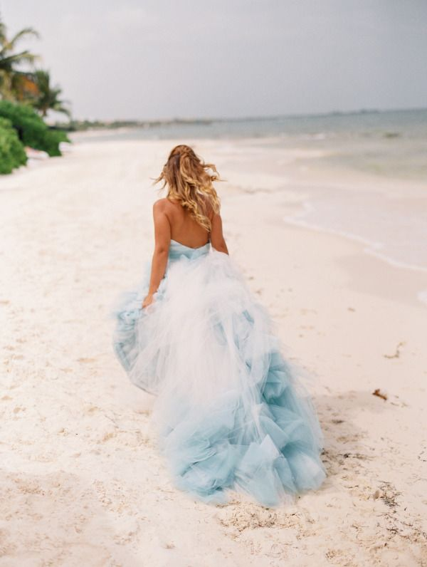 Gorgeous blue ombre wedding dress that wow