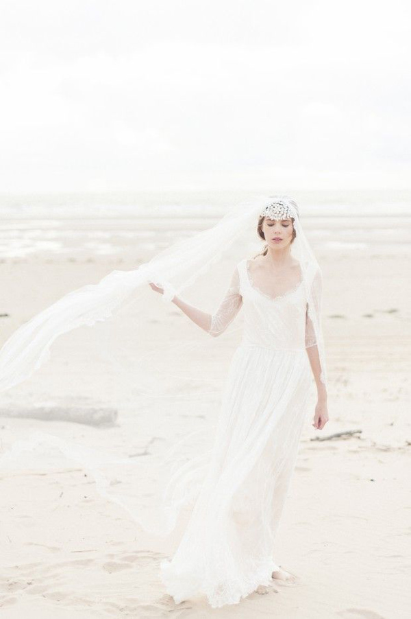 beautiful bride's photo with beautiful wedding veils