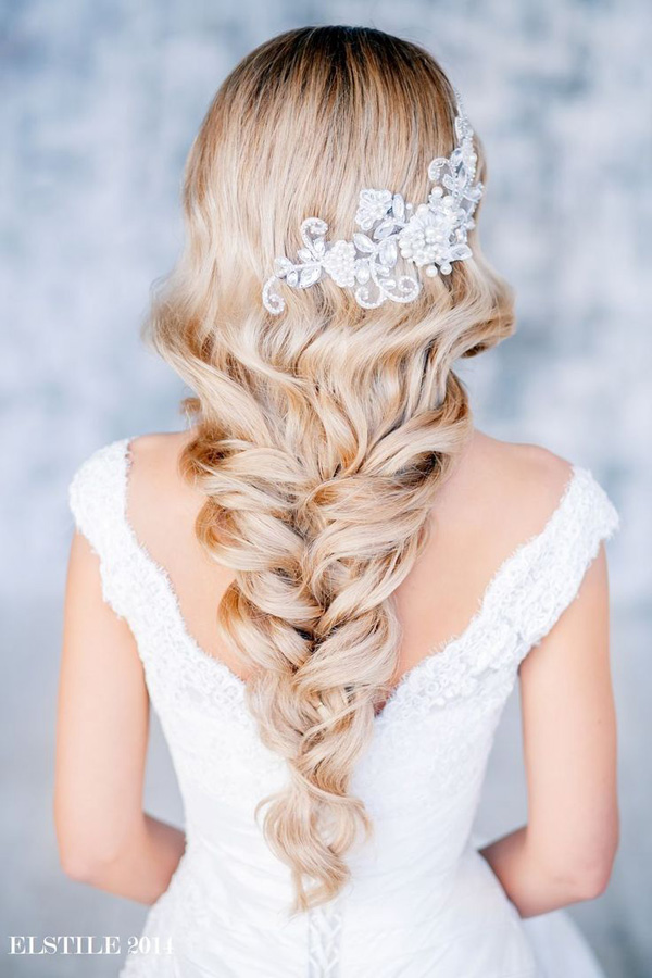 beautiful-wedding hairstyles with pretty lace bridal hairpieces