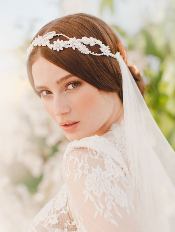 beautiful wedding headpiece and wedding veil combination