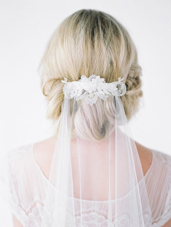 graceful lace bridal veils for weddings