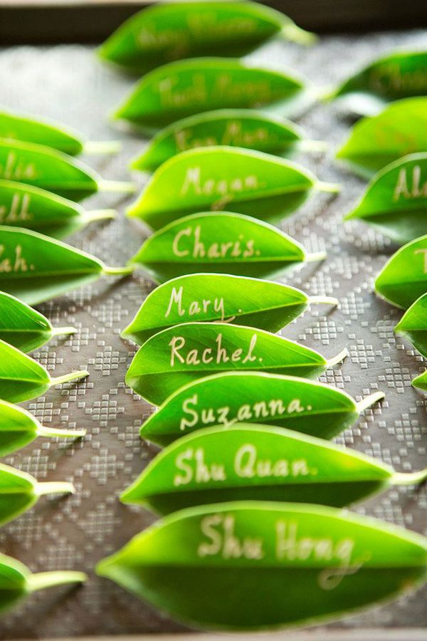 greenery wedding ideas-green leave table place cards