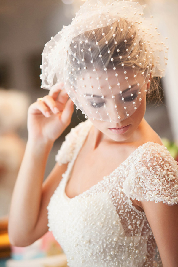 polka dot wedding dress and polk dot wedding veil ideas
