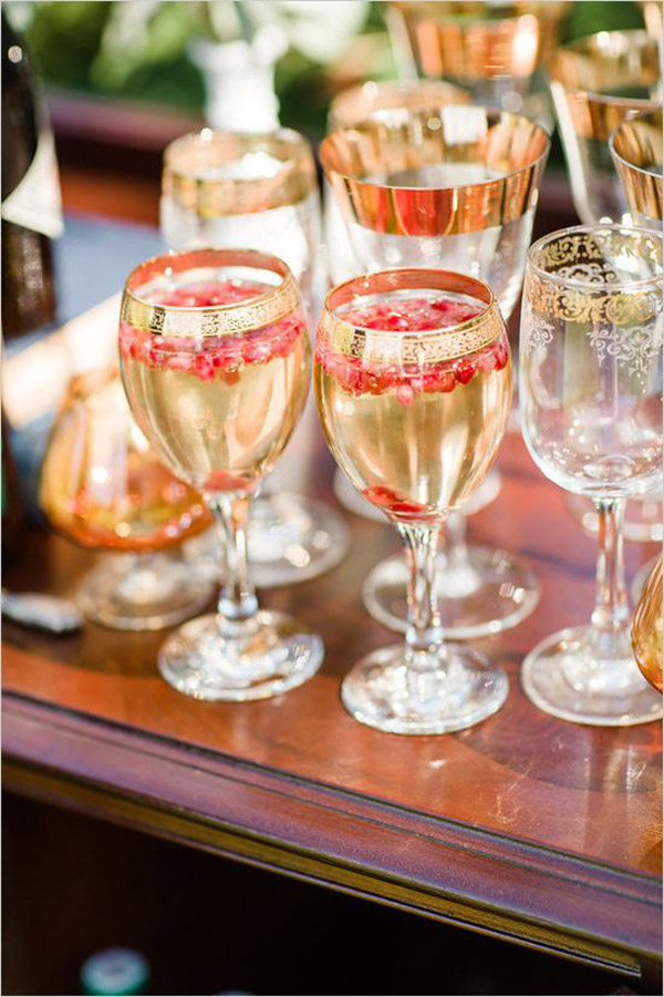 pomegranate and champagne cocktail wedding drink ideas