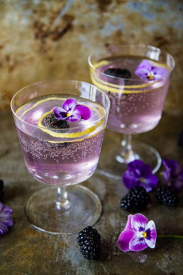 wedding drink ideas-blackberry French 75's