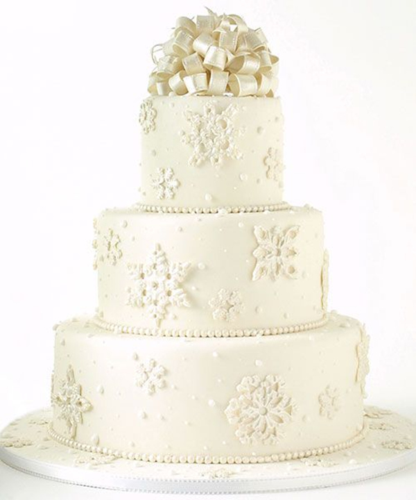 amazing winter wedding cake ideas with pearl