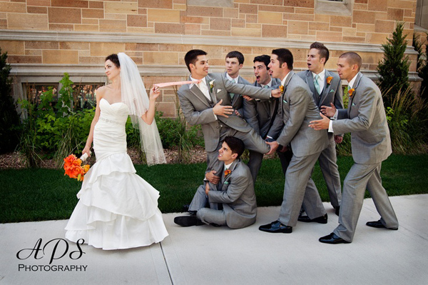 To make your wedding unforgettable 30 super fun wedding photo awesome funny wedding photo ideas junglespirit Image collections