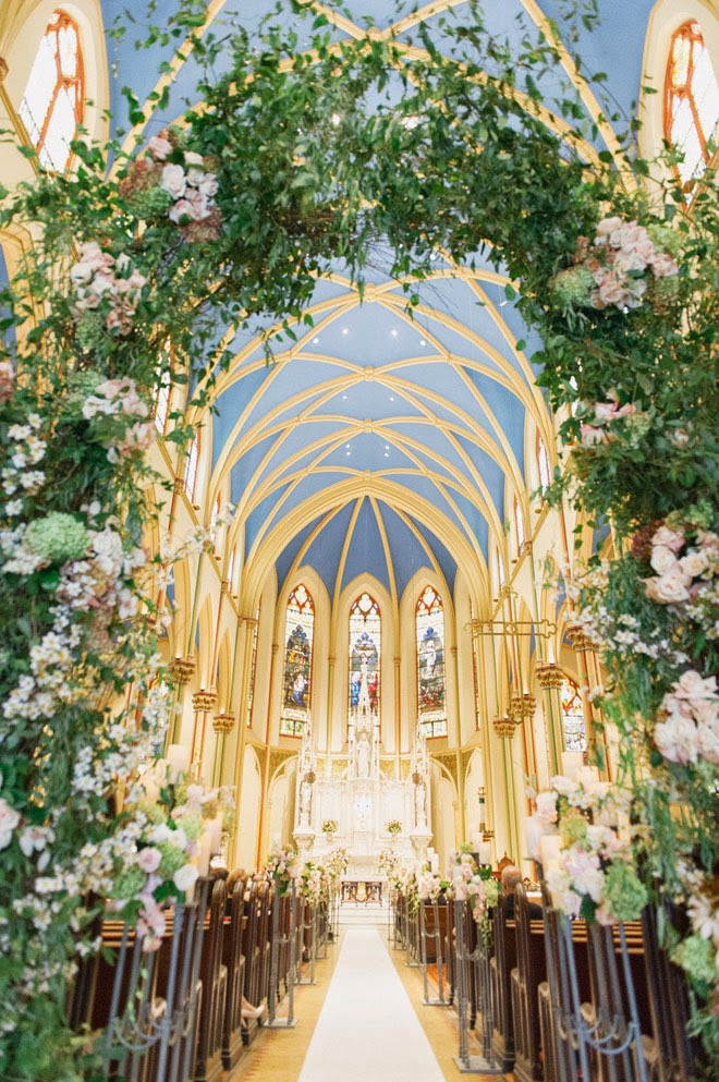 20 awesome indoor wedding ceremony dcoration ideas beautiful church wedding ceremony decoration ideas junglespirit Image collections