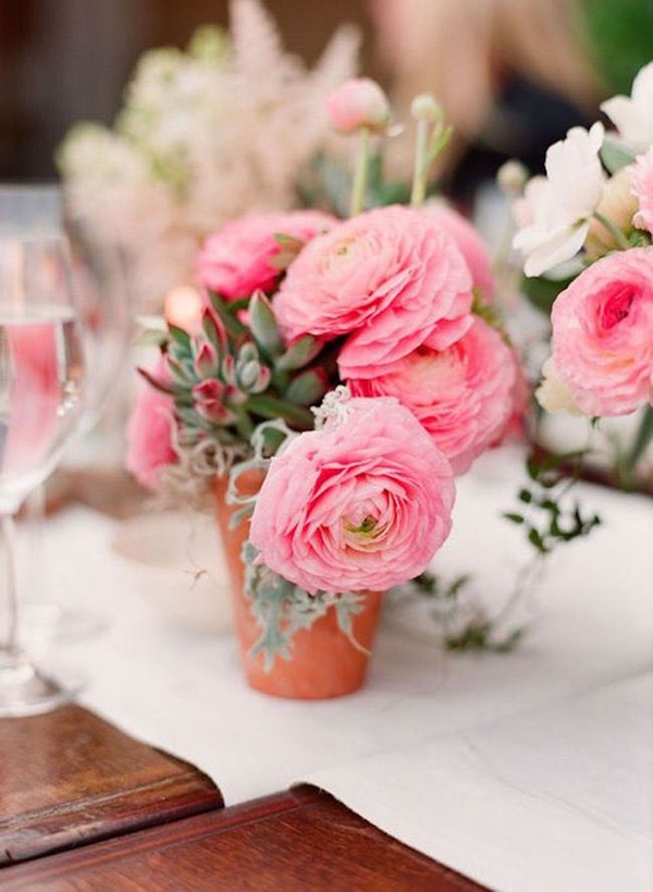 cute blush pink ranunculus wedding table setting ideas