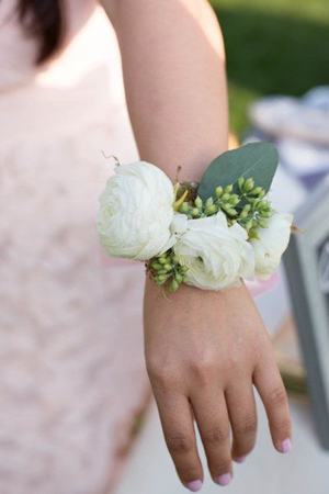 cute floral band wedding accessory ideas with ranunculus